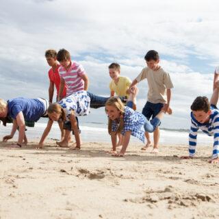 Alte Kinderspiele für drinnen und draußen - Inspiration auf dem eibe Blog