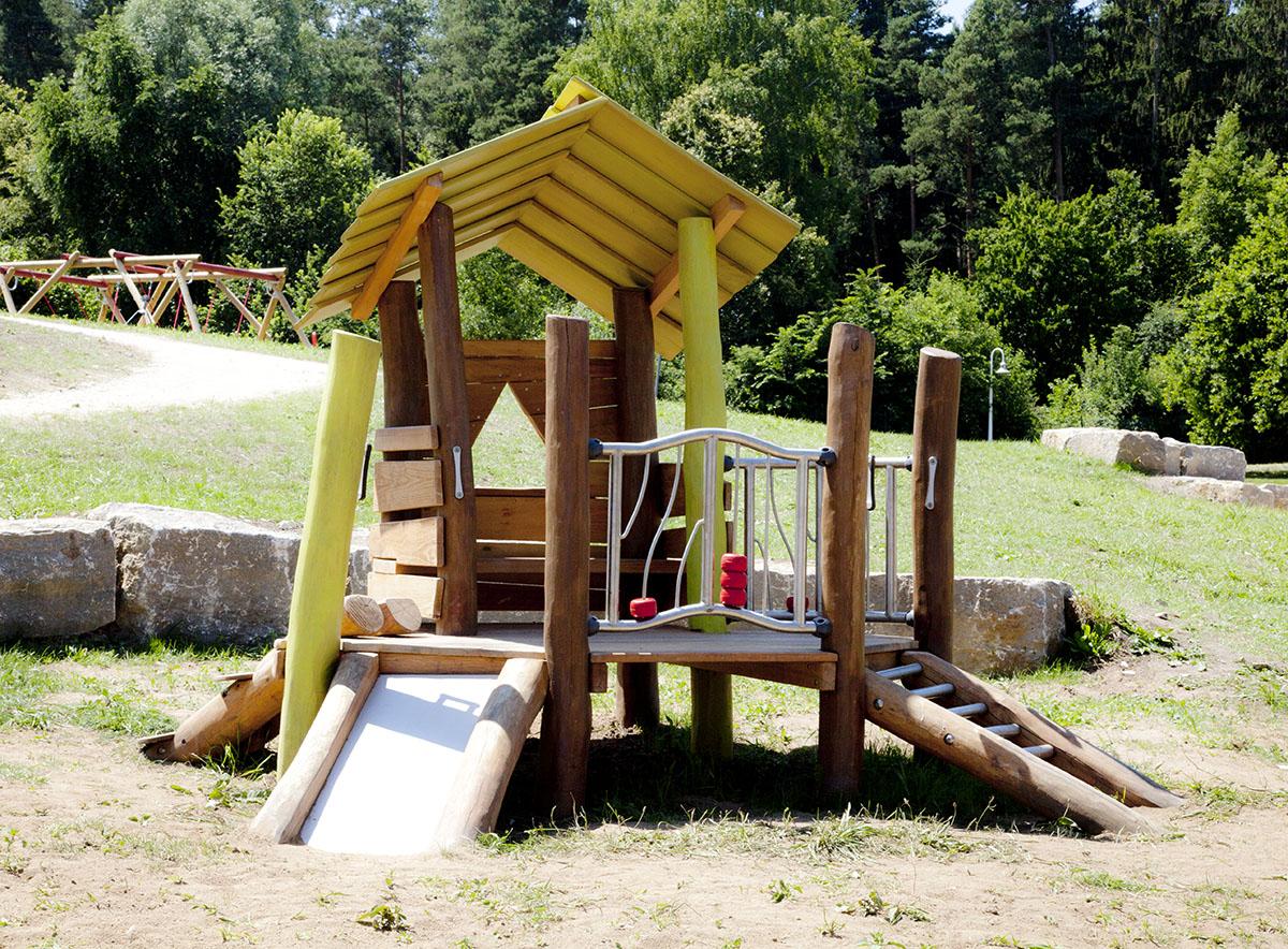Holzart Robinie: Materialien für Spielgeräte, Teil 2 - Spielanlage aus Robinien Holz