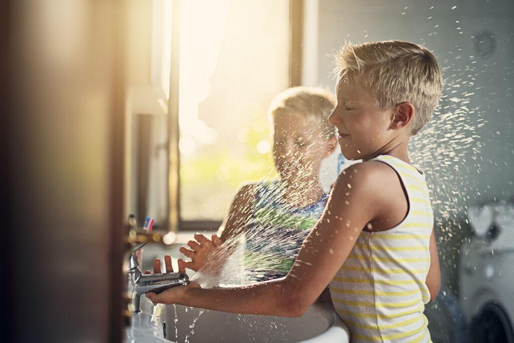 Wasserspiele Fur Kinder Drinnen Draussen Eibe Blog